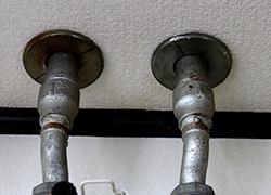 劣化している水道管